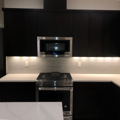 Kitchen countertop plugs, microwave, and under-cabinet lights in Tualatin by Classic Electric