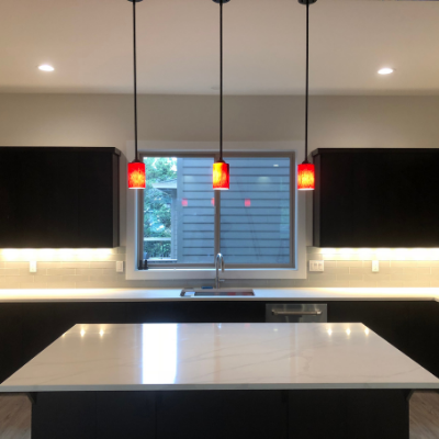 Kitchen pendant lights, recessed can lights, and under-cabinet lights in Sherwood by Classic Electric